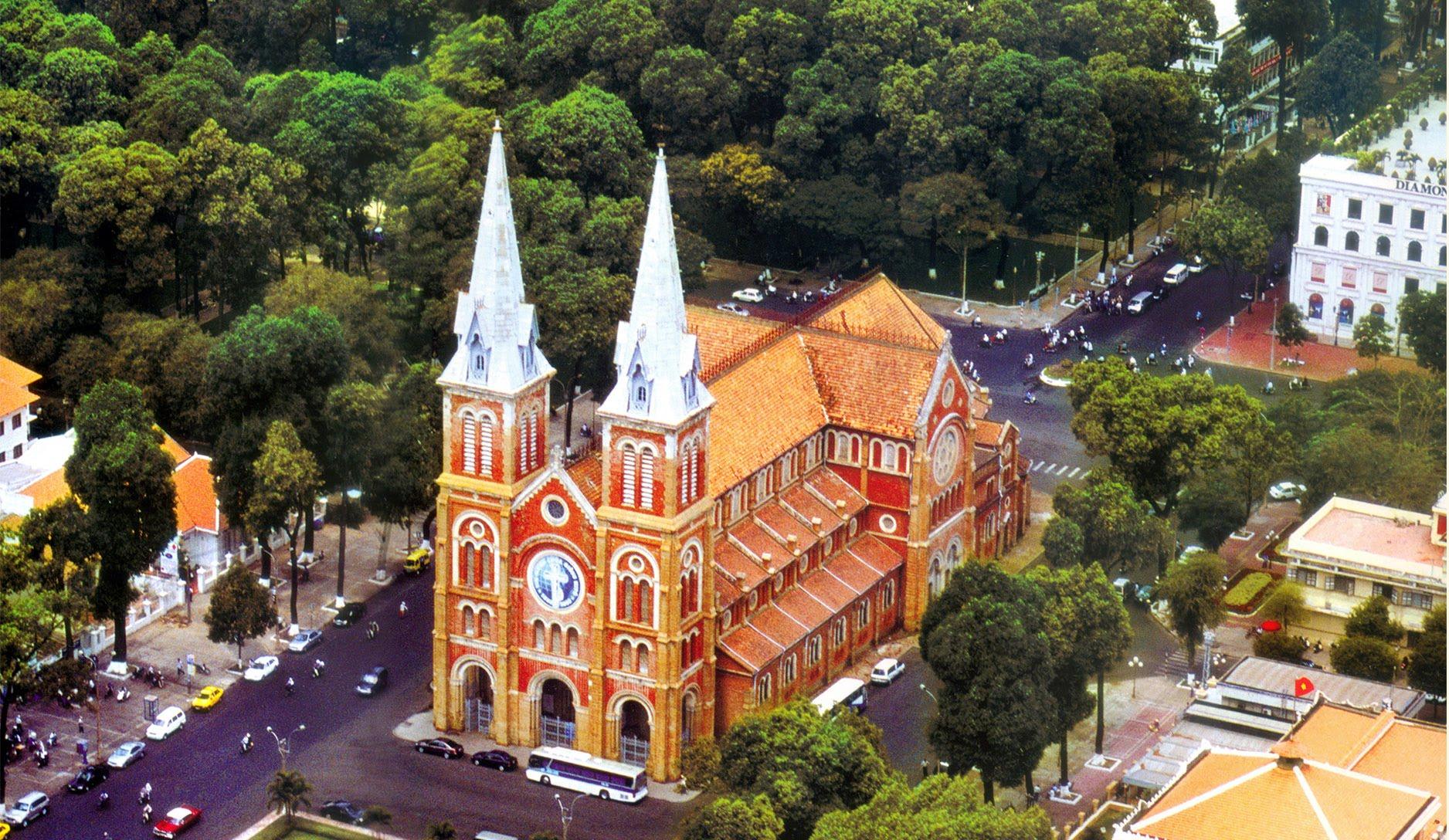 Nhà thờ Đức Bà - Hồ Chí Minh