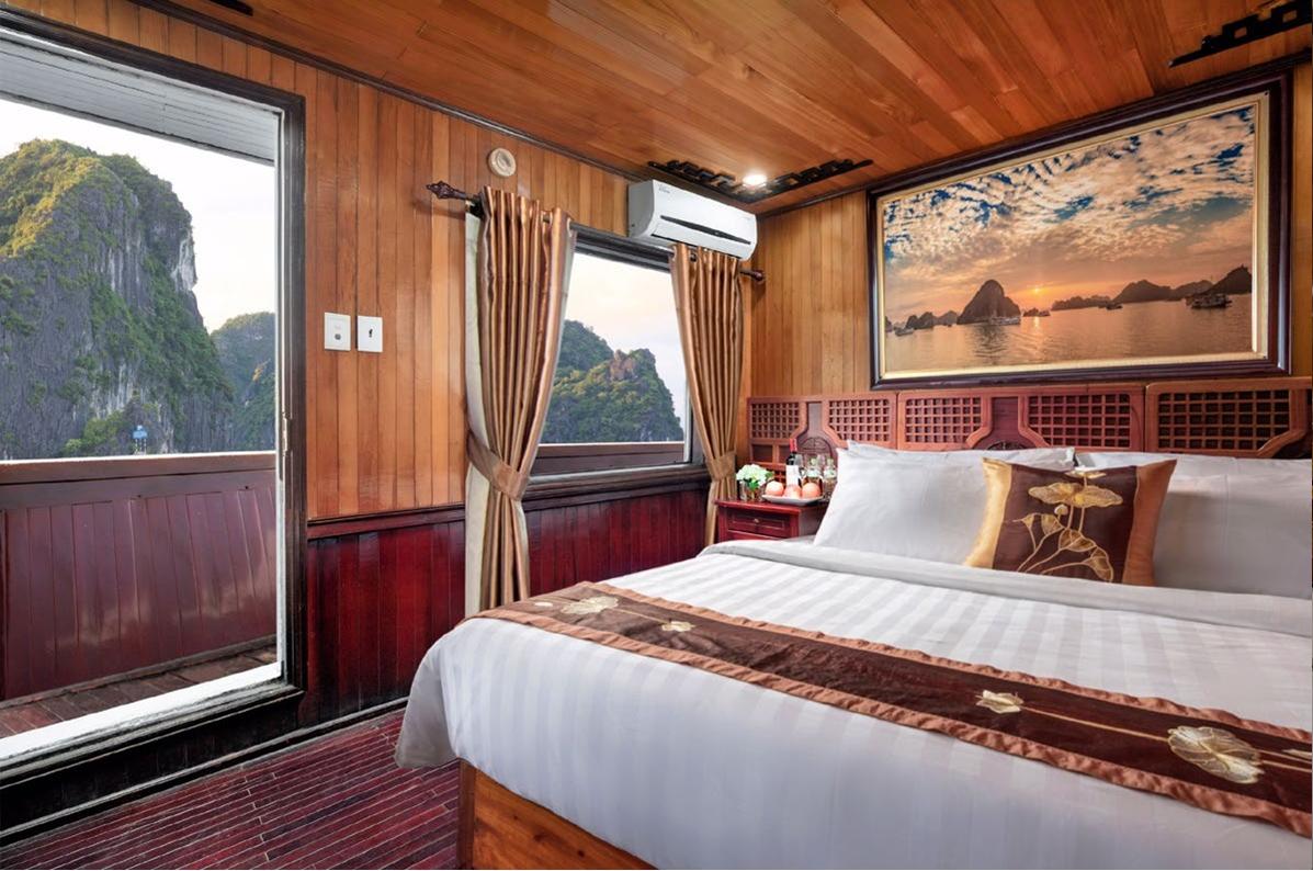 cozy bay cruise